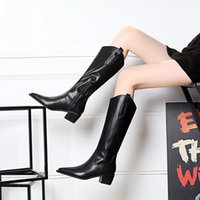 2022Autumn and winter show luxury designer fashion women boots leather thick soled Martin boot womens high waist shoes Knight Chelsea bootss large