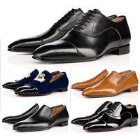 2021 Fondo rosso Mens Shoes Leather Shoes Matte Brevetto in pelle scamosciata formatori Designer Rivetti di marca Ricamo Uomini Sneakers Sneakers Business Banchetto Stylist Scarpa