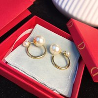 2021 럭셔리 디자이너 진주 스터드 귀걸이 18K GOLD PLAY 레이디 여성 파티 웨딩 애호가 선물 약혼 용품