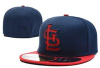 2021 Классическая команда темно-синий синий цвет Чикаго бейсбол встроенные шляпы мода хип-хоп спорт на поле Полный замкнутый дизайн колпачков устроил мужскую женскую кепку для женщин