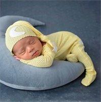 Recém-nascidos fotografia adereços conjuntos de roupas desenhador bebê calças de malha calças de madeira chapéu knotted chapéu ternos infantil boutique listra macacão star lua studio 20color b7770