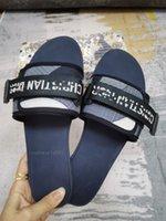Çocuk Sneaker Klasikler Paris Fahsion Kadın Terlik Yaz Kızlar Plaj Slaytlar Siyah Beyaz Kırmızı Flip Flop Çiçek Brocade Dişli Altları Sandalet