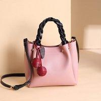 Novo Alta Qualidade e Doce PU Couro Bucket Bag Messenger Bag Mulheres Moda Grande Capacidade Colora Sólida Bolsa Cereja Embelezamento