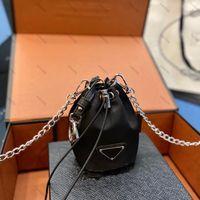 المرأة المصممين أسود محفظة عملة محفظة فاخرة البسيطة دلو لطيف بطاقة حامل أحمر الشفاه أكياس سلسلة حقيبة الكتف الأزياء عارضة فتاة محافظ صغيرة