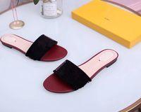 Diseño de marca Mujer Slipper Fashion Big Gold Cadena Sandalias Zapatos Redondos Toe Slip en Mules Talón plano Casual Slides Flip F