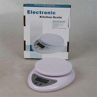 60pcs 5kg Home Home Gomentana Portable Schermo LCD elettronico Digitale Cucina Food Dieta Peso Postale Bilanciamento Bilancia 5000g x 1G B05 Free DHL FedEx