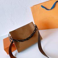 디자이너 핸드백 21SS 럭셔리 크로스 바디 체인 여성의 어깨 가방 패션 클래식 패턴 편지 핸드백 고품질 지갑