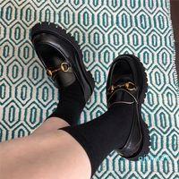 الجملة- جديد مصمم أحذية للنساء horsebit متعطل كعب منخفض جلد lug الوحيد المتسكعون مع rosebud طباعة منصة سوداء الاحذية