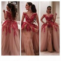 2019 Arabic Style Ball Gown Evening Dresses Short Sleeve V Neck Red Lace Appliques Sequins Nude Tulle Women Formal Party Prom Gowns