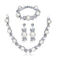Set di gioielli da sposa per donna, strass perla collana bracciale orecchini a tre pezzi vestito argento lucido, accessori da sposa da damigella d'onore