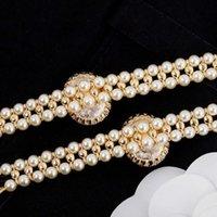 2021 Collar colgante del encanto de estilo de moda con diamante y negro negro para las mujeres Regalo de joyería de boda tiene sello de caja PS3056