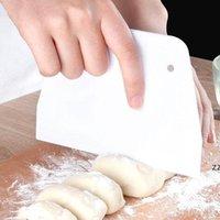 البلاستيك شبه منحرف مكشطة كريم أبيض كعكة القاطع بسيطة مريحة وآمنة المعجنات الملعقة اكسسوارات المطبخ HWD10216