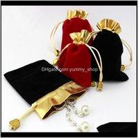 أسود أحمر المخملية مطرز الرباط الحقائب 100pcslot 2colors 2sizes التعبئة والتغليف عيد الميلاد هدية الزفاف Y4GF3 الحقائب 3V4RX