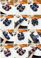 2021 Sliders Femmes Sandales d'été Femmes Pantoufles de plage Femme Flip Flop Mocassins Classic Mono Gram Diaposibles Chaussures Brown Chaussures avec Box Taille 35