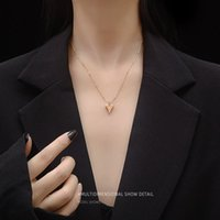 Italian Designer Texture Long Peach Heart with Bead Chain Clavicle Sexy Necklace Steel Jewelry P575 O14X719