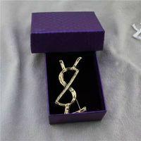 Design Letter Women Luxury Brooch Suit Vestito Pin Bistola Fashion ACCESSORI EPACKET DI ALTA QUALITÀ + BOX