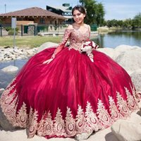 2022 Dark Red Long Sleeves Ball Gown Quinceanera Dresses Off The Shoulder Neck Lace Appliqued Prom Gowns Sweep Train Tulle Sweet 15 Masquerade Dress