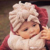 Зима 2021 мальчиков для мальчиков девушки шляпы шарф 2 шт. Устанавливает милые дети флиги бабочки кепки + флис шарфы детские мягкие теплые индийские шляпы D141