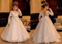 Prenses Çiçek Kız Elbise Düğün Dantel Uzun Kollu Tekne Boyun Vintage Kız Pageant Törenlerinde Kutsal Communion Elbise