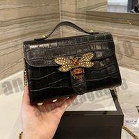 2021 marque de luxe marque sacs à bandoulière à pâte à sacs à main à l'épaule de haute qualité Chaînes de haute qualité Téléphone Cross Corps Tempéramment Sac Portefeuille Totes métalliques