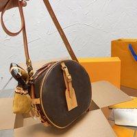 디자이너 가방 여성 클래식 오래 된 꽃 어깨 핸드백 실크 스카프 가죽 고품질 크기 21 * 20cm 전체 패키지와 라운드 케이크
