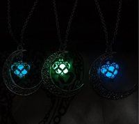Fashion Luminous Glow In the Dark Necklace Sailor Moon Pendant Necklace For Women Heart Necklace ps0658
