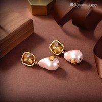 Luxury Stud Charm Earrings Designer Love Pearl Letter V high-quality gold Earring Screw Party Wedding Couple Valentinoes Gift Fashion Jewelry a20