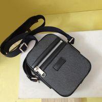 Classic Top Calidad Mini Hombro Hombres Hombres Cuero Real PVC Crossbody Messenger Bags 14x17.5x5.5cm Fasion Cintura Bolsa de pecho para hombre