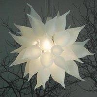 Candelabros modernos tamanho pequeno fosco esferas brancas conduzido luzes pingente mão soprada de vidro lustre luminárias para sala de estar lustre
