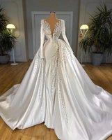화려한 진주 웨딩 볼 가운 긴 소매 멀리즘 신부 드레스 깊은 V 넥 플러스 사이즈 신부 드레스 결혼 맞춤형 로브 드 Soiree