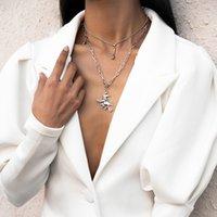 2021 Estilo europeo y estadounidense Mujer colgante collares simple retro multicapa borla clavícula cadena bruja collar de aleación conjunto joyería regalo al por mayor
