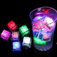 Flash-LED-Eiswürfel leichte wasseraktivierte Blitz-LED leuchtendes Eiswürfel-Beleuchtung Glühender Induktion Hochzeit Geburtstagsbarren Drink Decor DHA5308