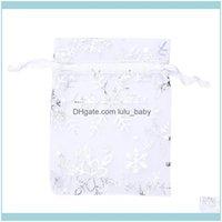 Gioielli Imballaggio Visualizzazione Gioielli Gioielli Gastronomia, Borse 100 PCS Organza regalo di nozze DString Pouch Sier Bianco Fiocchi di neve stampati Sheer Part
