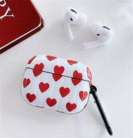 Luxurys Designer AirPods Cases For Earphone Pro 1 2 High Quality Case Heart Printed Earphone Protector Protection Package Hook Bags