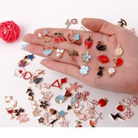 Assorted Gold Plated Enamel Pendants Necklace Bracelet 100Pcs Drop Oil Pendant Mixed Charms Accessories for DIY Jewelry Making 1966 V2