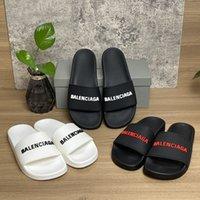 2021 Pantofole di sandali da donna da uomo di alta qualità Diapositiva Slittamento Summer Fashion Wide Slipper Slipper Flip flop con box Dimensione 36-46