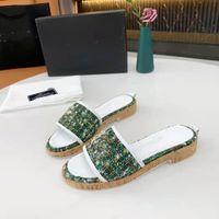 Мода роскошь 2021 итальянская туз тапочка жемчужина змея печать слайд лето широкая квартира для дамских мужчин женщин сандалии дизайнерские ботинки бесплатные подарочные онлайн продажи
