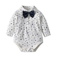 ولد الطفل داخلية الأطفال الأبيض السادة نمط طفل الرضع الأولاد القطن حللا الزي قطعة واحدة الاطفال الخريف الشتاء وزرة السروال القصير