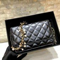 古典的な女性ワンショルダーショルダーバッグの中のジッパー内区画ポケット小物の適切なコレクションスペシャルディスプレイテクスチャ090700