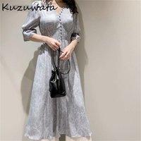 KUZUWATA V Yaka Uzun Kollu Ince Kazak Elbise Kadınlar Vintage Baskı Yüksek Bel Kalça Bir Çizgi Uzun Vestidos Bahar Robe 210806