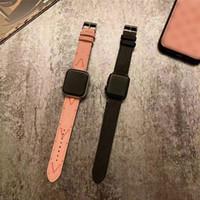 Apple IWATCH Için İzle Bantları 1 2 3 4 5 6 Moda Mektup V Stripe Lüks Deri Watchband Yedek Bilek Bandı Sapanlar Için