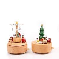 Ahşap Müzik Kutusu Carousel Müzik Kutusu Noel Ağacı Şekli El Sanatları Çocuk Oyuncakları Retro Noel Doğum Günü Hediyesi Ev Süslemeleri 210319