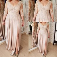 2021 Sexy Champagne Mother Of The Bride Dresses Side Split V Neck Evening Dress Three Quarter Sleeves Lace Appliques Illusion Chiffon Plus Size Prom Party Gowns