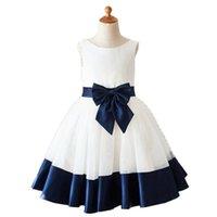 Girl's Dresses Vintage White Navy Blue Decent Flower Girl Dress 2021 Front Bow Knot Sash Bottom Trim Princess Wedding Communion Gown