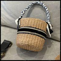 Femmes luxuries Designers Sacs 2021 Crochet Panier Totes Fashion Summer Holiday Sacs à main Pourse à bandoulière avec chapeaux