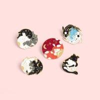 Yinyang 브로치 핀 라운드 에나멜 동물 포옹 고양이 드래곤 여우 브로치 옷깃 핀 탑 백 배지 여성용 남성 패션 쥬얼리