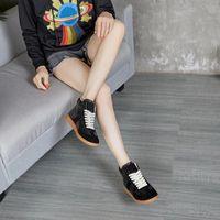 Botlar Marka Bayanlar Kadınlar Varış T-Şekilli Deri Ekleme Tasarım Malzeme Moda Ayakkabı Woeman Tren Sho