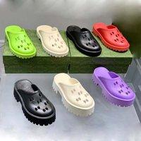 Pantofole Designer Sandali Donne Sandali Moda Spiaggia di lusso Bordo spesso Impermeabile Antiscivolo Hole Classical Hole BAOTOU Slipper con scarpa di fabbrica