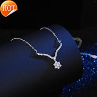Factory direct sale hot European and American Creative minimalist jewelry flower Christmas necklace whole ly-40078