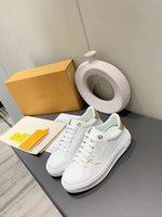 Yeni Varış Platformu Sneakers Erkekler Kadınlar Için Üçlü S Tasarımcısı Düz Rahat Baba Ayakkabı 17fw Paris Üçlü Siyah Bej Lüks Vintage Eski Ayakkabı